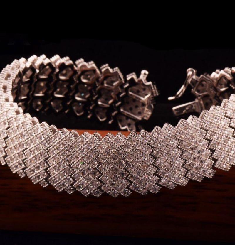 دستبند بسیار زیبا تک جواهری