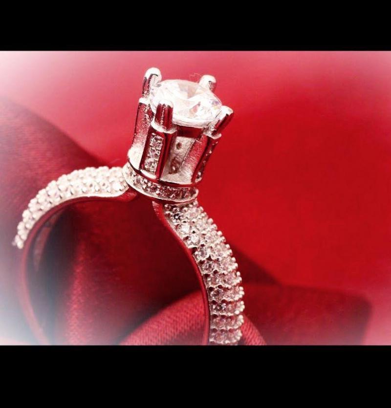 انگشتر سولیتر برجسته جواهری